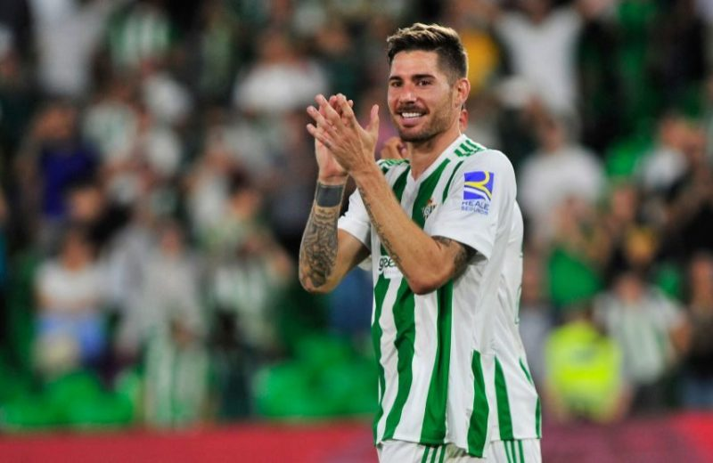 Oficial | Javi García renueva por una temporada más