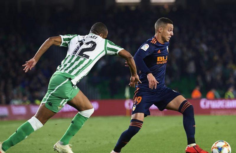 Crónica   Real Betis Balompié 2 – Valencia CF 2: La fiesta se acabó tiñendo de negro