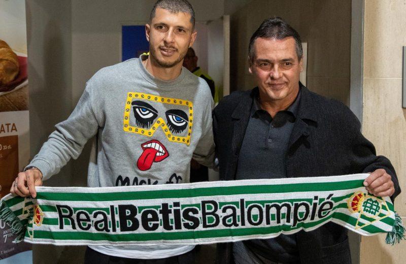 Salidas y entradas en el Real Betis