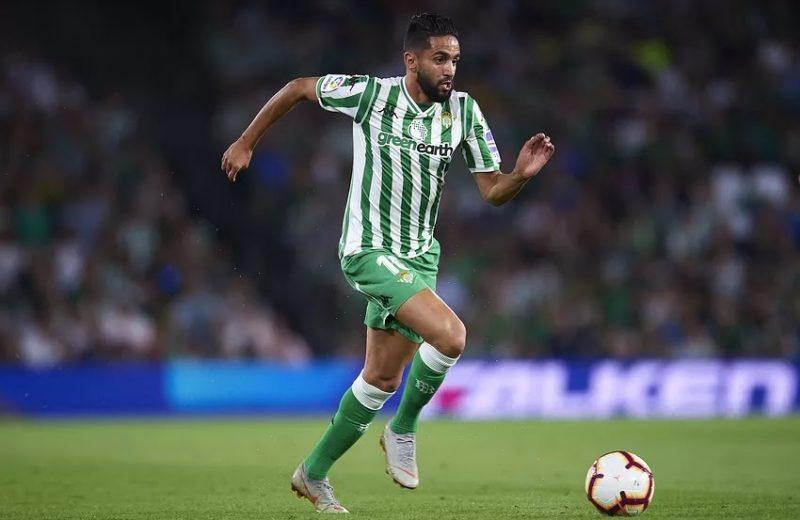 Oficial | Ryad Boudebouz, novena salida en el Real Betis